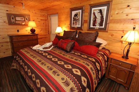 Timber Lodge Orcas King Bedrm Suite - Eastsound - Chatka