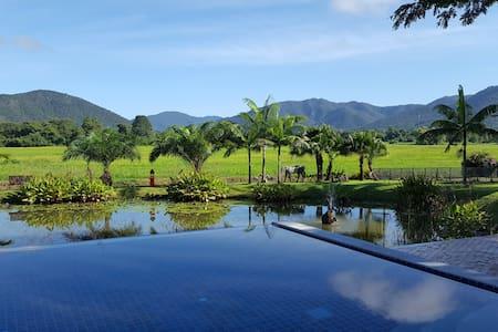 Rice and Zen Boutique Resort - Teak Villa - Tambon Sam Ran Rat - Villa