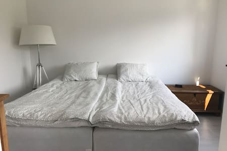 Private studio 10 min. from city center