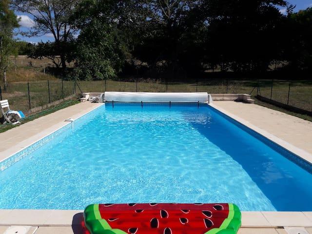 Gîte piscine animaux activités Brantome Périgord