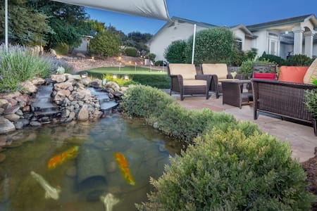 Kona- Great Prescott getaway! Sauna, spa, putting green, & koi pond! - Dewey - House
