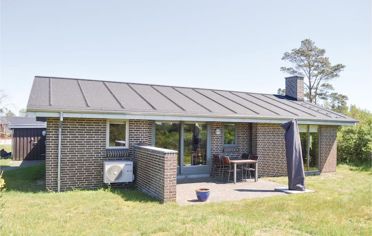 Holiday cottage with 2 bedrooms on 72m² in Sæby