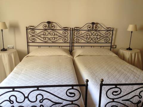 One Bedroom Suite in Historic Villa d'Orri