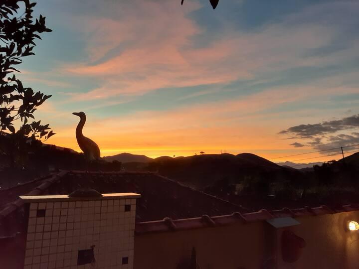 Venha Ver a Vista da Montanha, do Céu e Pôr do Sol