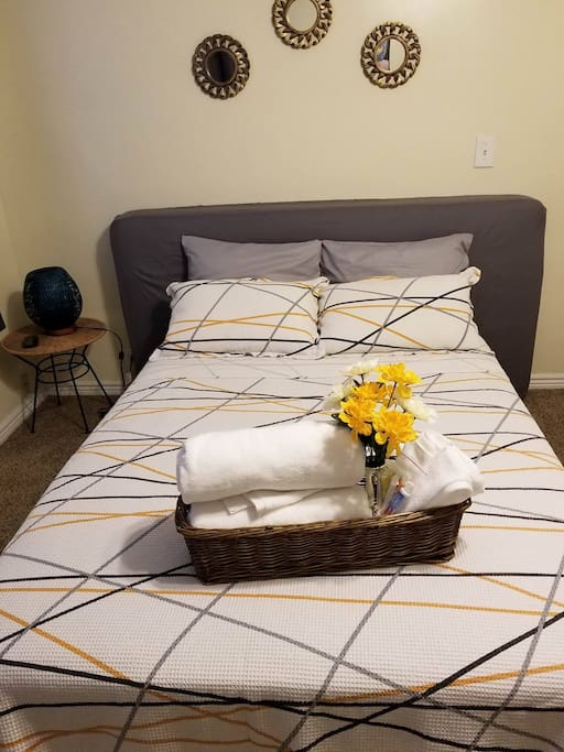 Bedroom - Full Bed & Twin Mattress (Gray one)