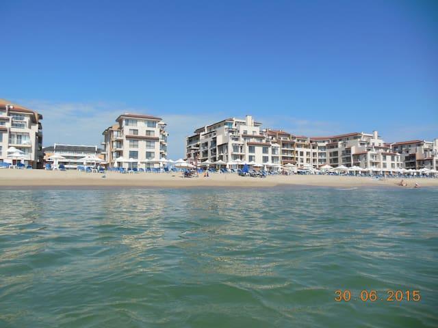 Апартаменты с видом на море OBZOR BEACH RESORT