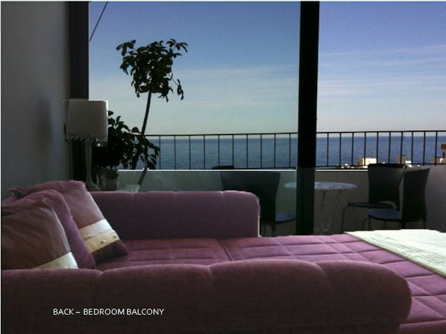 My other apartment is located in Qawra with some sea views, airconditioned, sunny balconies and a 5 minute walk to beach. Ref. 2499601