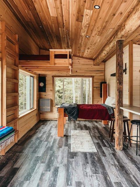 'The Broken Tine' - Studio Cabin White Lake BC