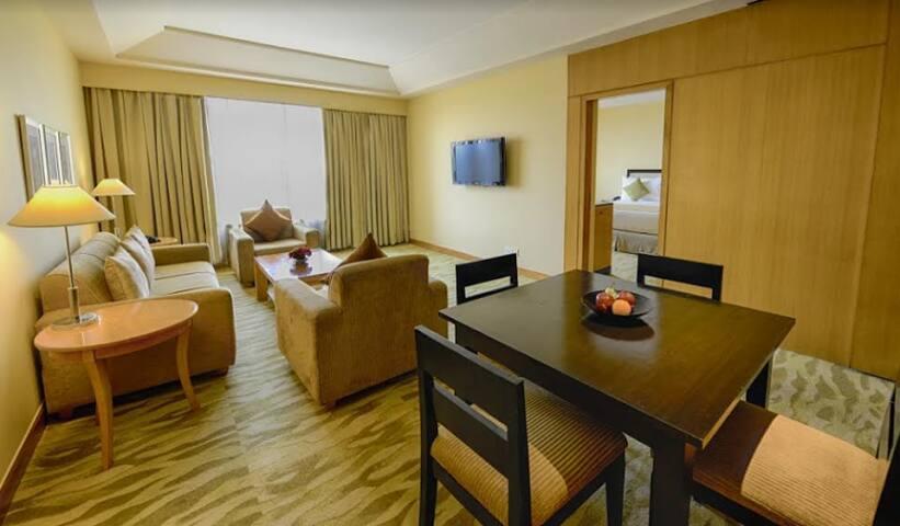 Luxurious 1 Bedroom Apartment in Vasant Kunj - New Delhi - Lägenhet
