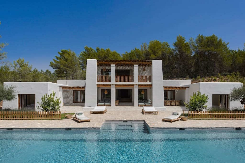 Blakstad villa 12m to ibiza town houses for rent in - Ibiza house renting ...