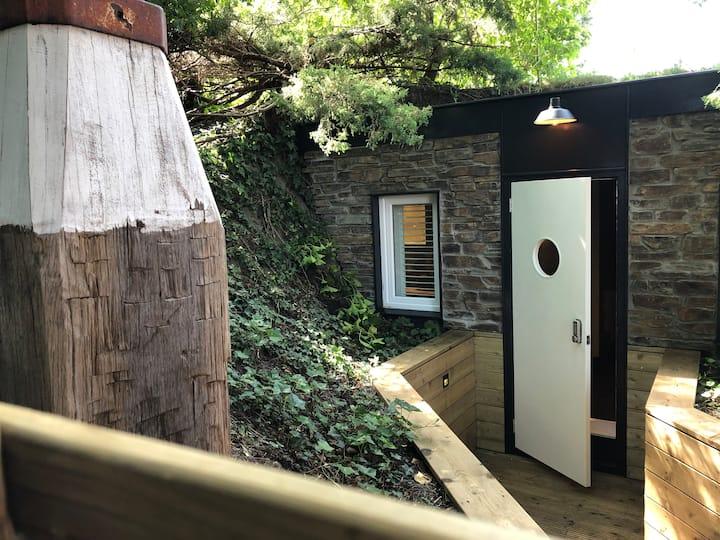 Hobbit style Tiny House/Studio