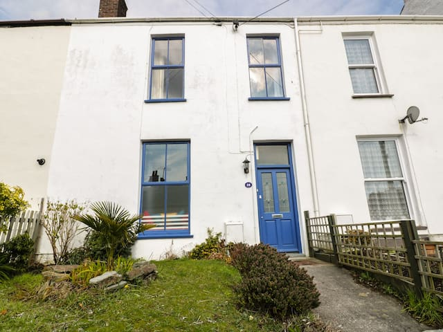 ST JOHNS COTTAGE, pet friendly in St Austell, Ref 970186