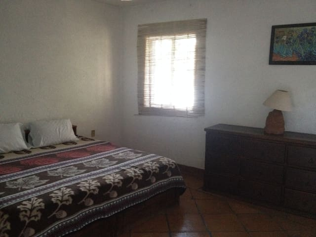 B&B Private Room in House with Pool - Malinalco - Bed & Breakfast