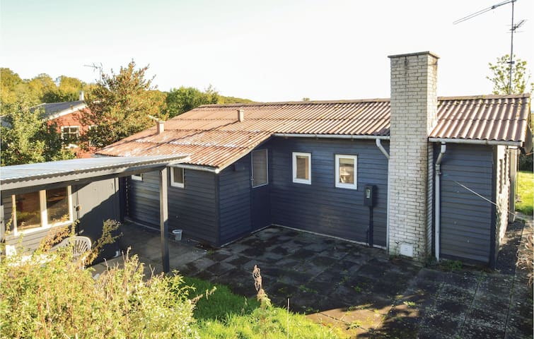 Holiday cottage with 2 bedrooms on 62 m² in Aabenraa
