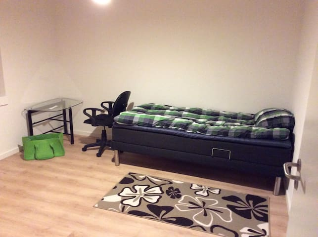 Light and cosy room for rent - Solbjerg