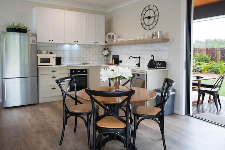 Carbrook Cottage - tranquility & cosy comfort
