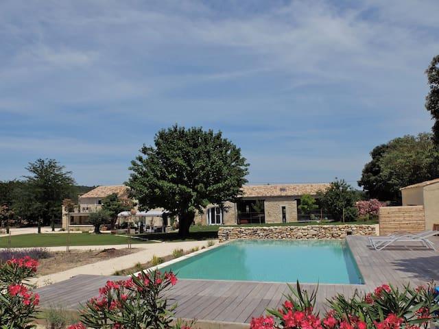 Gite en Drome provençale en pleine nature  (2) - Saint-Restitut - Huoneisto