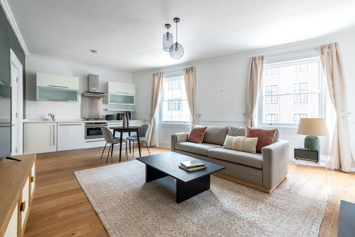Lovely Covent Garden 1BR, nr. Covent Garden Market, by Blueground
