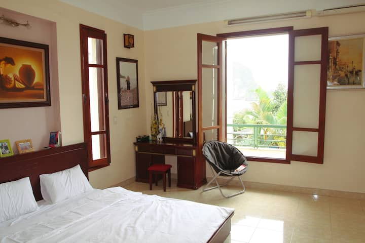 Ha Long Lily Homestay - Luxury Room 201