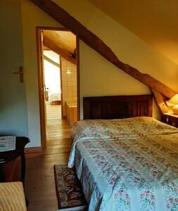 1 chambre Capucine-2 personnes-Maison d'hôtes