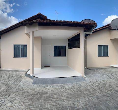 Apartamento novo em condomínio no Caçari