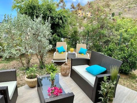 Studio tout Confort avec terrasse privative