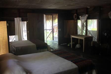 """Casa de Agua"" Cabaña Santuario, Boca del Cielo"