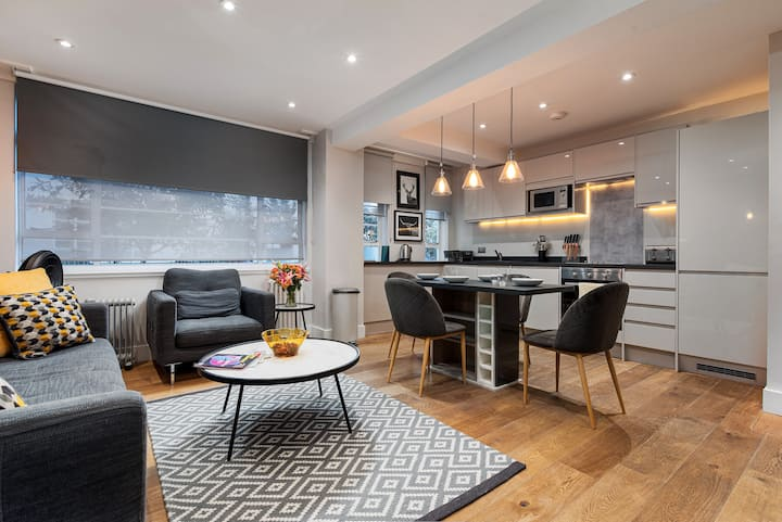 Brand New Modern Two Bedroom Apartment, Chelsea 23