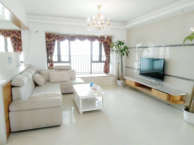 140平超舒适大4房,宝安中心 近机场、世界之窗、科技园,地铁口仅250米 - Shenzhen - Huis