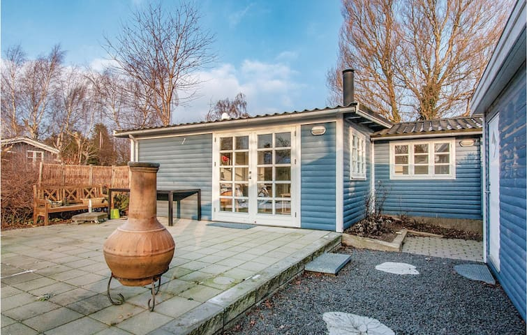 Holiday cottage with 2 bedrooms on 46 m² in Slagelse
