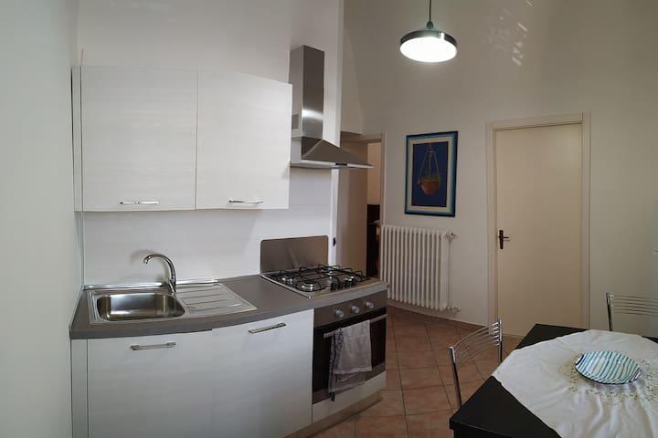 Centralissima casa vacanze stile classico a Irsina