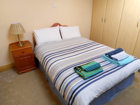 """Rosarie""Ballinasloe home away from home Bedroom 3"
