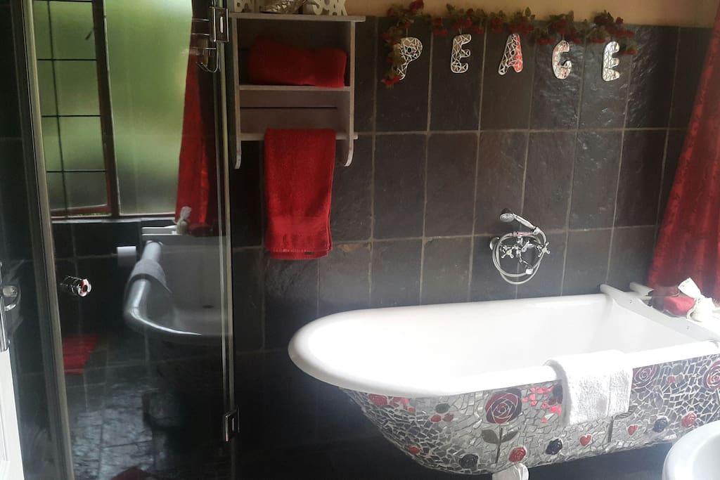 Valentino Bathroom