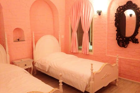 Princess Suite Room (in ROSE Heritage Home) - Varanasi