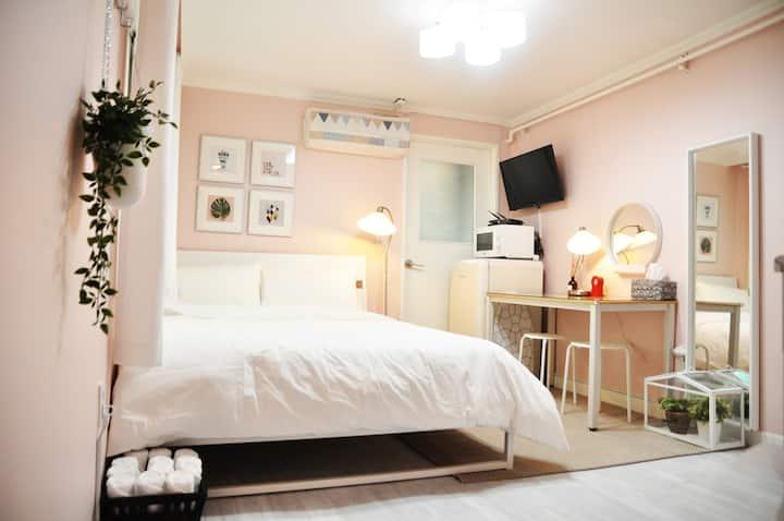 ~40% DC!Modern Pink house 2min Hongdae-Whole house