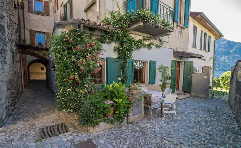 La Casa di Giulino - TREMEZZINA- Lago di Como