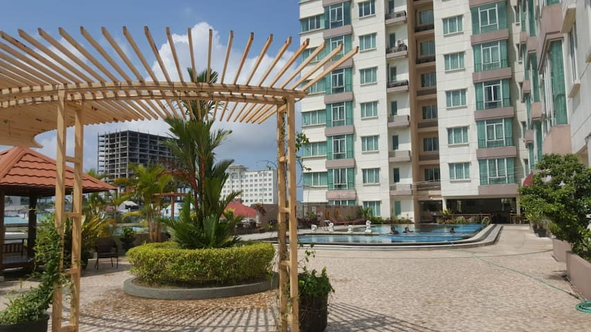 2 Bedroom Apartment, Near BCS Mall and SPAs