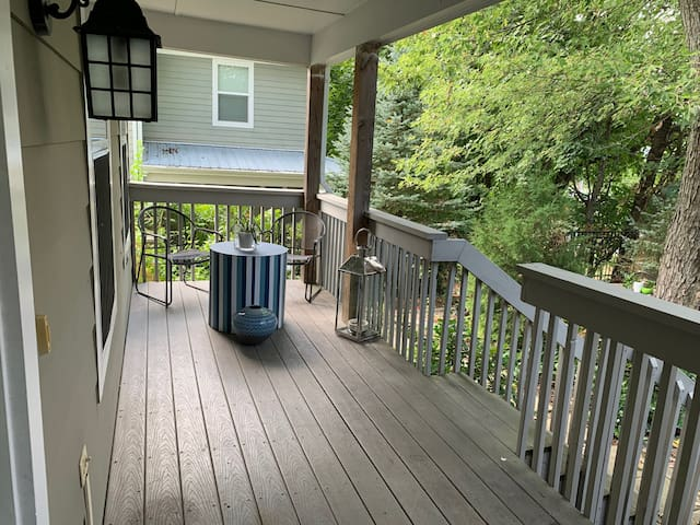 Walking Distance to Virginia Tech and Downtown!