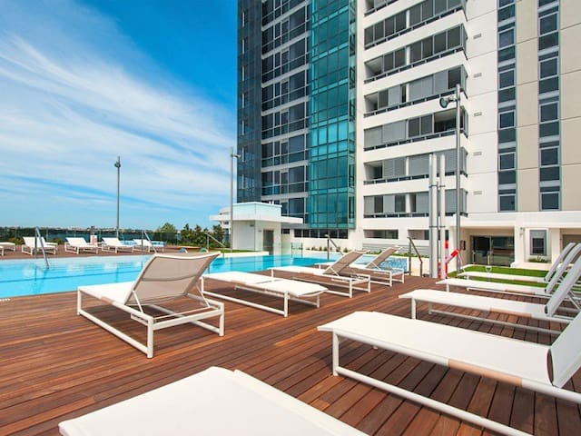Luxury at the East End of Perth CBD - East Perth - Flat