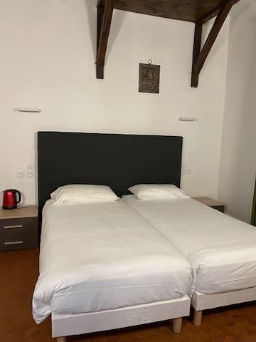 Le grand lit double 160