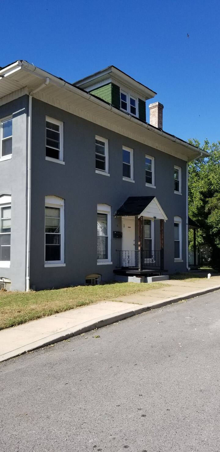 Private unit 5 miles from downtown Baltimore