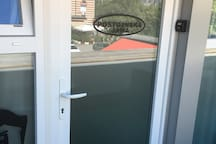 Door of ap. with keysafe
