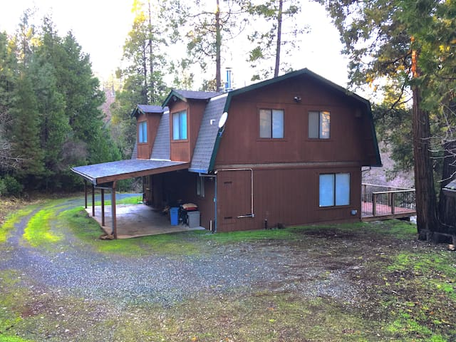 11 Acre Retreat Perfect for Families & Camping - Nevada City