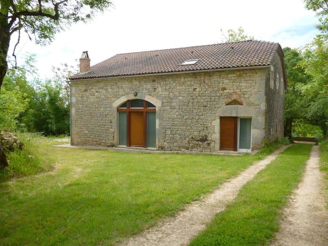 Grange en pierre à Floressas - Puy-l'Évêque - บ้าน