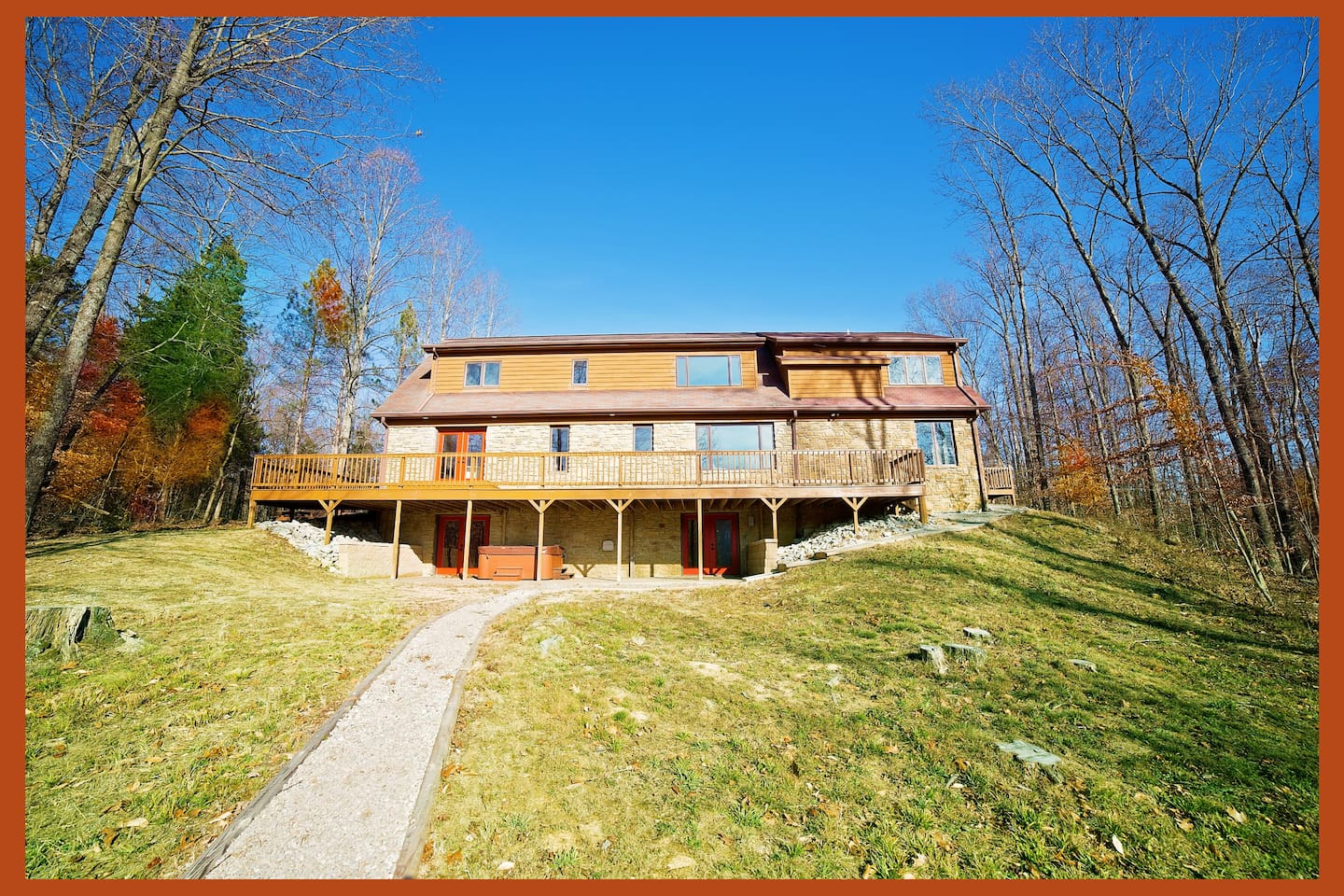 9 bedrooms, pond, 40 private acres by Brown County