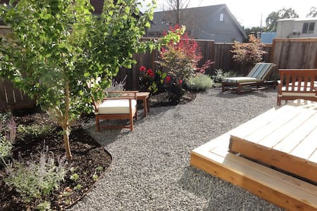 1Bed/Bath, Private Garden Entrance - Hood River - 獨棟