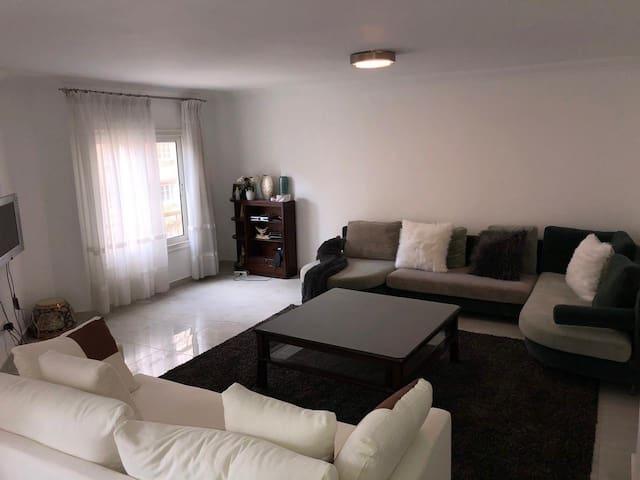 Spacious 3  Bedroom Apartment In Maadi