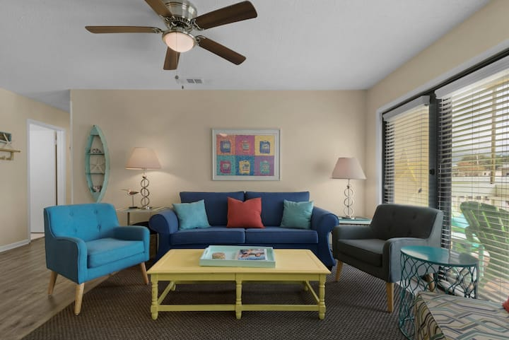"Sandpiper Cove ""Destin"" ation with amenities"