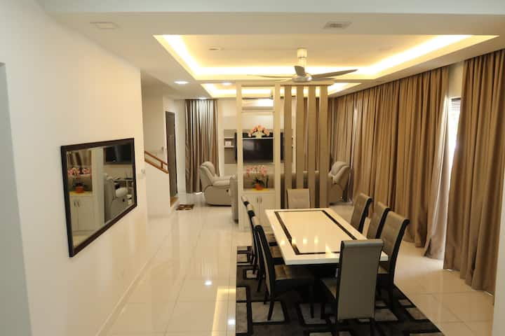 [PROMO] spacious and stylish Nilai Vacation Home