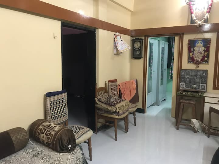 A cozy 2BHK near the iconic metro cinemas